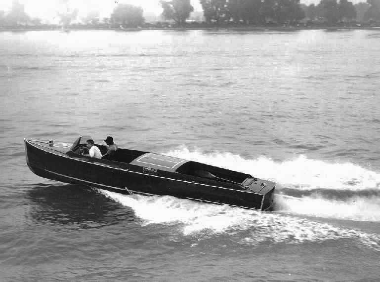 Cigarette Rum Runner 1921 – c/o Mariners Museum Image Collection